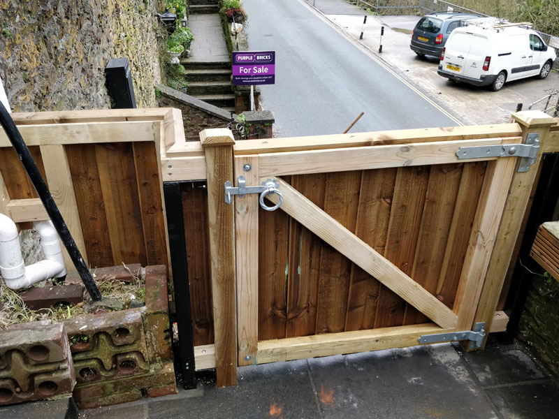 Made to measure gate