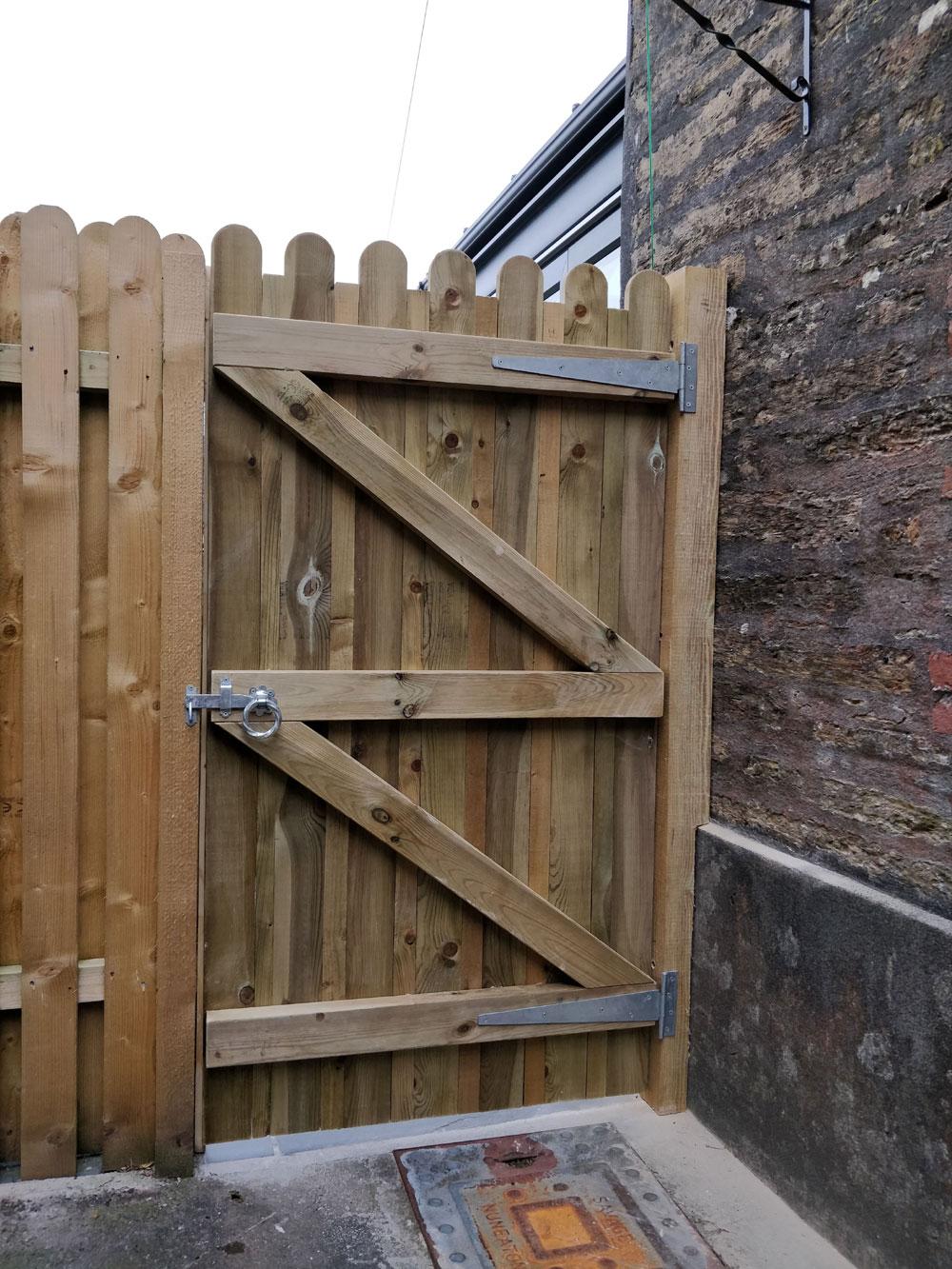 New gates in Liskeard